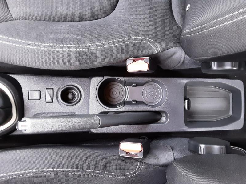 Photo 32 de l'offre de RENAULT CAPTUR dCi 90 E6C Business à 14400€ chez Centrale auto marché Périgueux