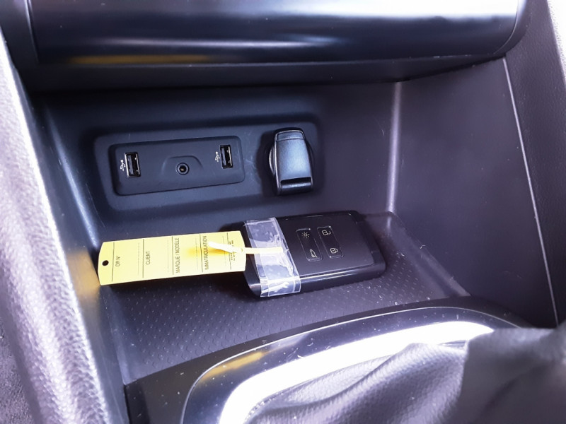Photo 43 de l'offre de RENAULT MEGANE IV Estate Blue dCi 115 Business à 14500€ chez Centrale auto marché Périgueux