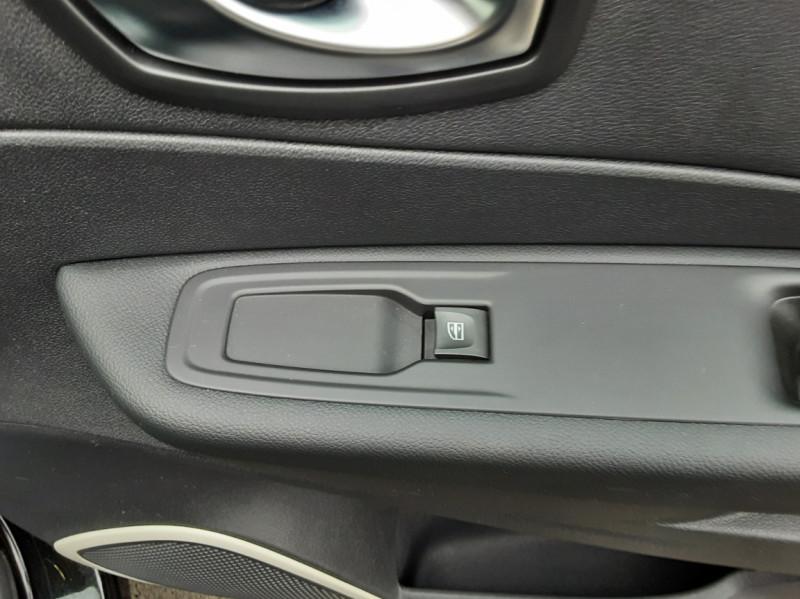 Photo 36 de l'offre de RENAULT CAPTUR dCi 90 E6C Business à 14400€ chez Centrale auto marché Périgueux