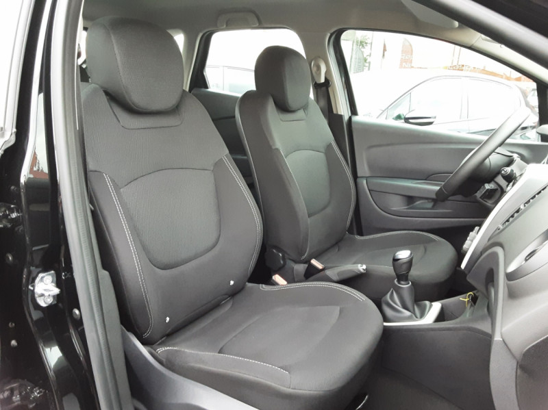 Photo 14 de l'offre de RENAULT CAPTUR dCi 90 E6C Business à 14400€ chez Centrale auto marché Périgueux