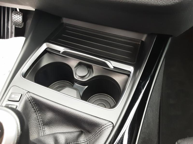 Photo 14 de l'offre de BMW SERIE 1 116d 116 ch SPORT  à 19990€ chez Centrale auto marché Périgueux