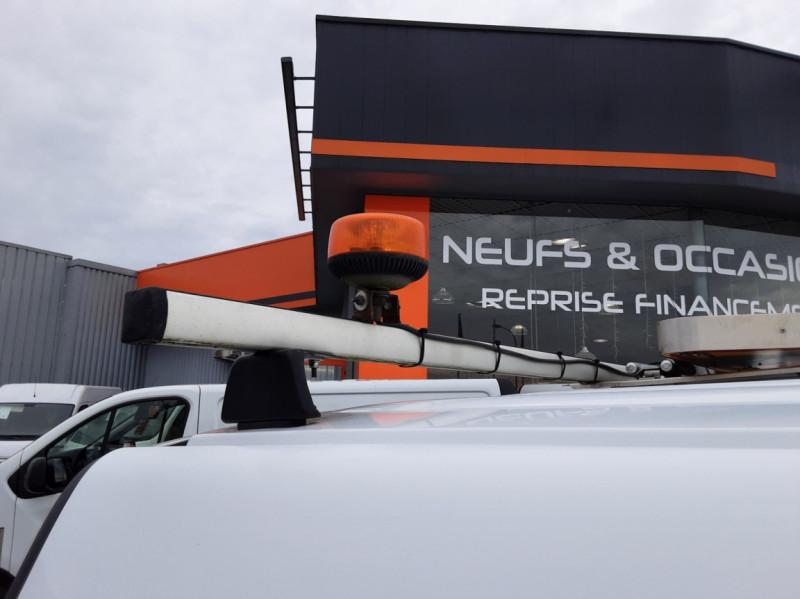 Photo 11 de l'offre de RENAULT KANGOO EXPRESS L1 1.5 DCI 90 EXTRA R-LINK à 10200€ chez Centrale auto marché Périgueux
