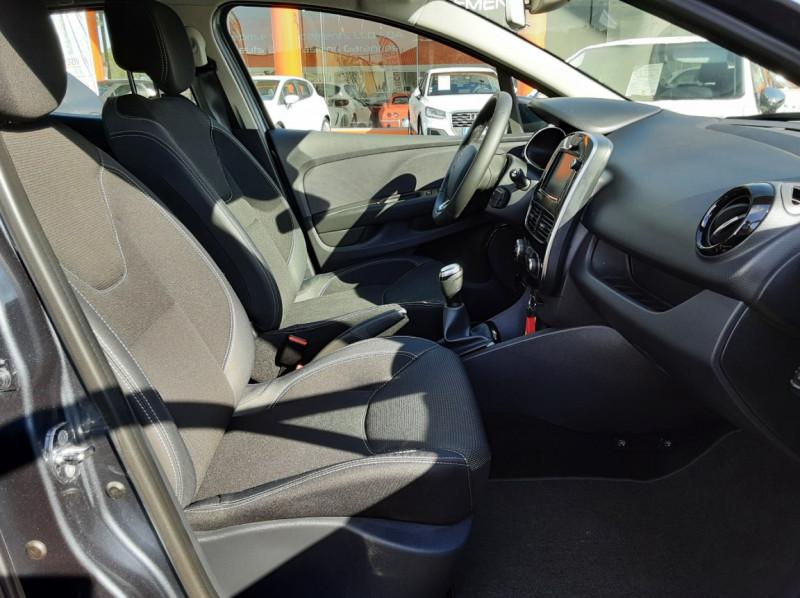 Photo 14 de l'offre de RENAULT CLIO IV dCi 90 E6C Limited à 12200€ chez Centrale auto marché Périgueux