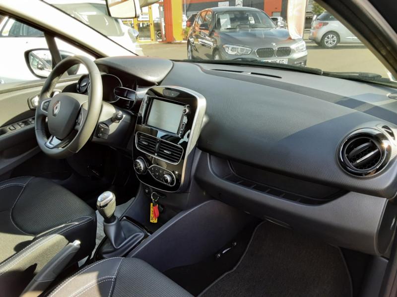 Photo 38 de l'offre de RENAULT CLIO IV dCi 90 E6C Limited à 12200€ chez Centrale auto marché Périgueux