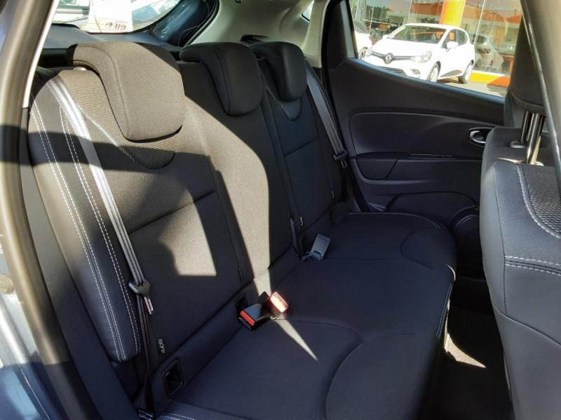 Photo 15 de l'offre de RENAULT CLIO IV dCi 90 E6C Limited à 12200€ chez Centrale auto marché Périgueux