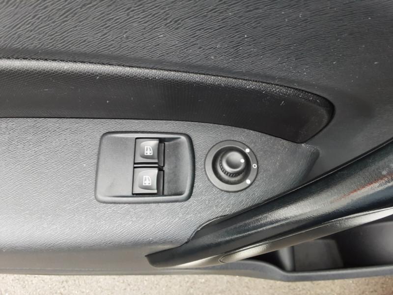 Photo 36 de l'offre de RENAULT KANGOO EXPRESS L1 1.5 DCI 90 EXTRA R-LINK à 10200€ chez Centrale auto marché Périgueux