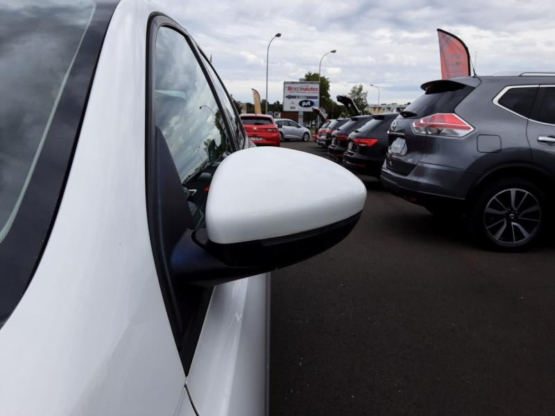 Photo 9 de l'offre de PEUGEOT 308 1.6 BlueHDi 120ch SetS EAT6 Active Business à 13200€ chez Centrale auto marché Périgueux