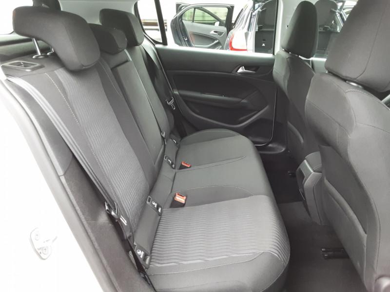 Photo 12 de l'offre de PEUGEOT 308 1.6 BlueHDi 120ch SetS EAT6 Active Business à 13200€ chez Centrale auto marché Périgueux