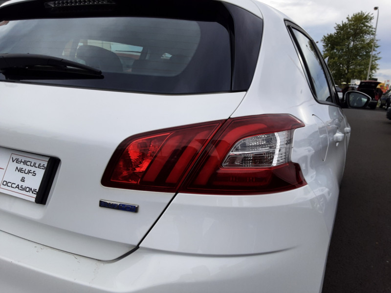 Photo 35 de l'offre de PEUGEOT 308 1.6 BlueHDi 120ch SetS EAT6 Active Business à 13200€ chez Centrale auto marché Périgueux