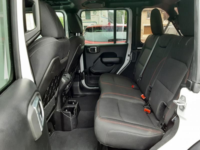 Photo 16 de l'offre de JEEP WRANGLER Unlimited 2.2 l MultiJet 200 ch 4x4 BVA8 Rubicon à 54990€ chez Centrale auto marché Périgueux