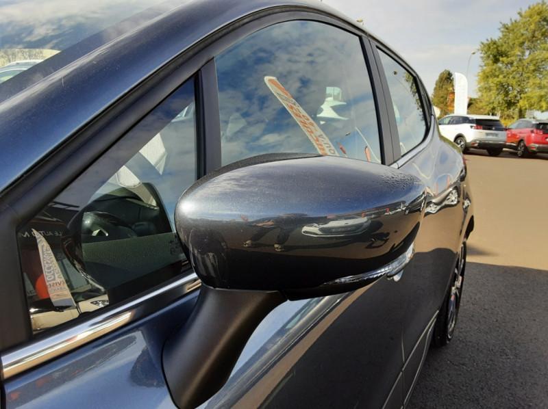 Photo 36 de l'offre de RENAULT CLIO IV dCi 90 E6C Limited à 12200€ chez Centrale auto marché Périgueux