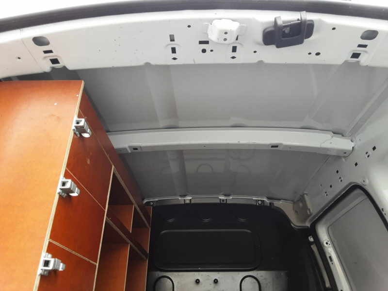 Photo 6 de l'offre de RENAULT KANGOO EXPRESS L1 1.5 DCI 90 EXTRA R-LINK à 10200€ chez Centrale auto marché Périgueux