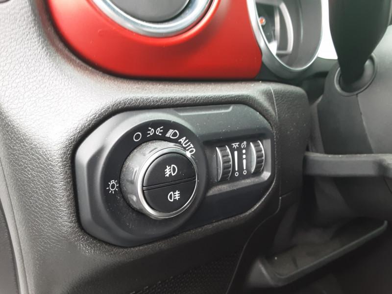 Photo 4 de l'offre de JEEP WRANGLER Unlimited 2.2 l MultiJet 200 ch 4x4 BVA8 Rubicon à 54990€ chez Centrale auto marché Périgueux