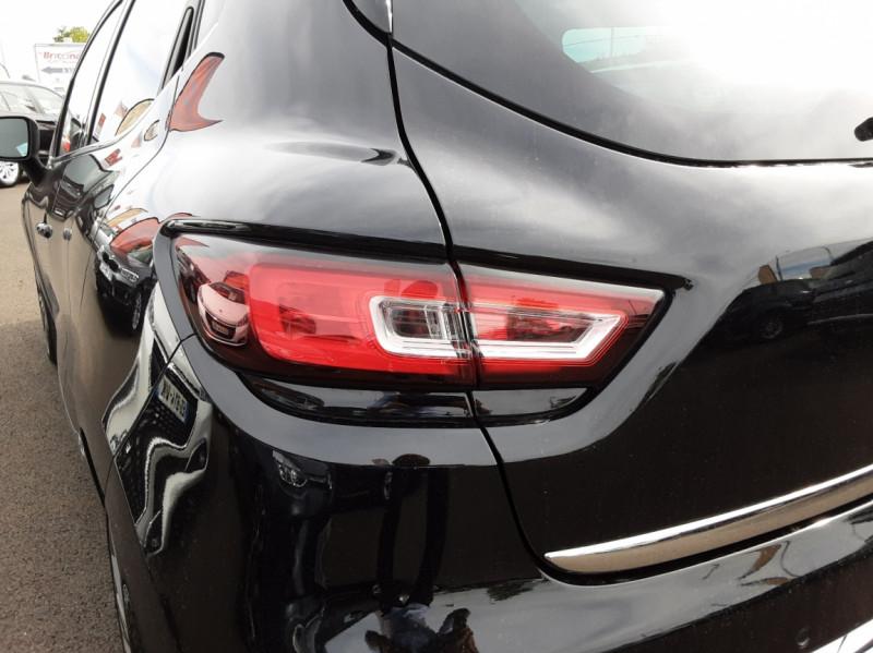 Photo 4 de l'offre de RENAULT CLIO dCi 90 Energy Initial Paris EDC à 15490€ chez Centrale auto marché Périgueux
