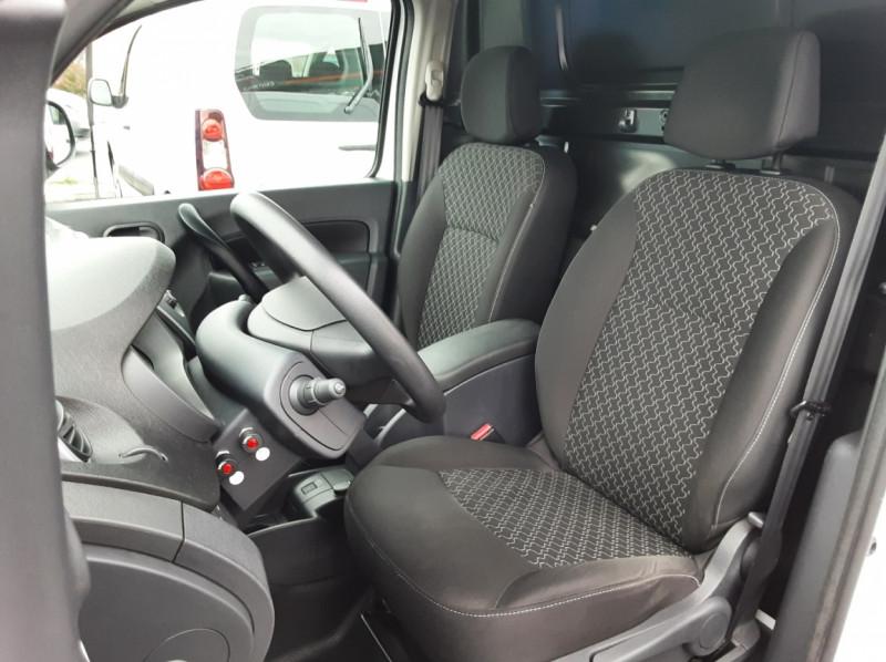 Photo 17 de l'offre de RENAULT KANGOO EXPRESS L1 1.5 DCI 90 EXTRA R-LINK à 10200€ chez Centrale auto marché Périgueux