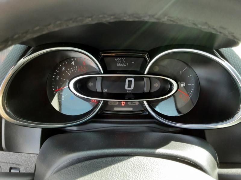 Photo 8 de l'offre de RENAULT CLIO IV dCi 90 E6C Limited à 12200€ chez Centrale auto marché Périgueux