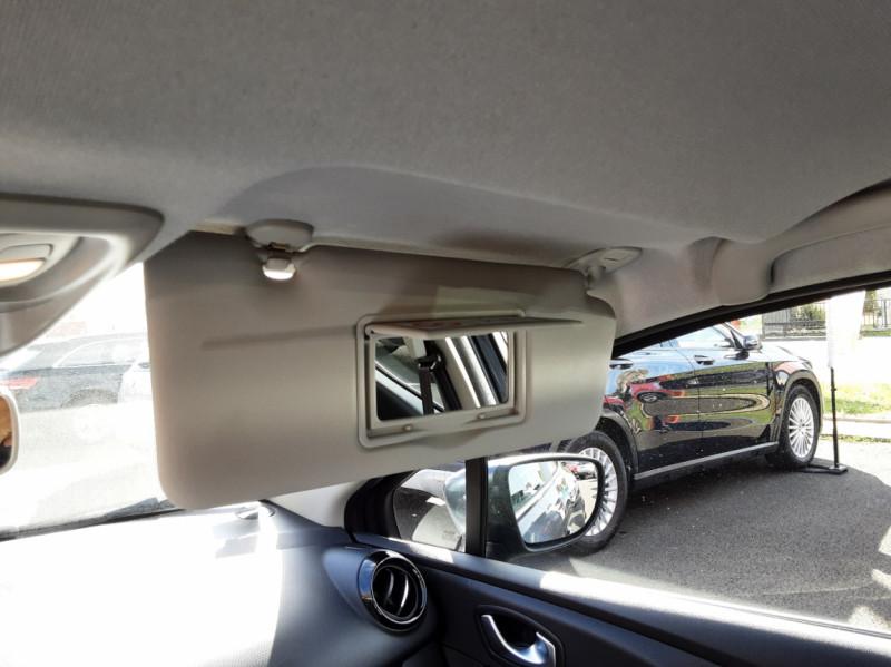 Photo 28 de l'offre de RENAULT CLIO IV dCi 90 E6C Limited à 12200€ chez Centrale auto marché Périgueux
