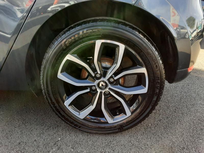 Photo 24 de l'offre de RENAULT CLIO IV dCi 90 E6C Limited à 12200€ chez Centrale auto marché Périgueux