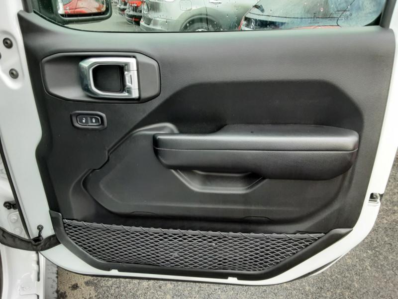 Photo 26 de l'offre de JEEP WRANGLER Unlimited 2.2 l MultiJet 200 ch 4x4 BVA8 Rubicon à 54990€ chez Centrale auto marché Périgueux