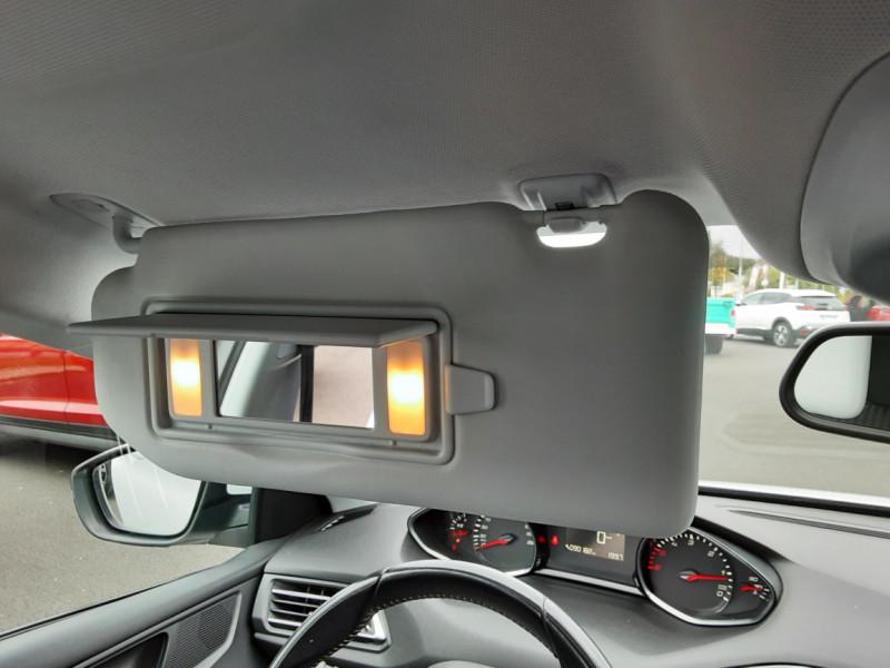 Photo 26 de l'offre de PEUGEOT 308 1.6 BlueHDi 120ch SetS EAT6 Active Business à 13200€ chez Centrale auto marché Périgueux