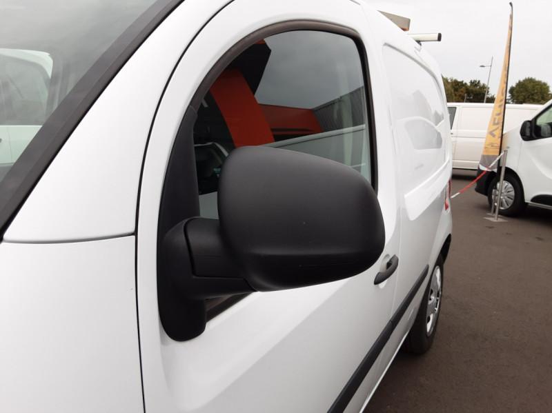 Photo 20 de l'offre de RENAULT KANGOO EXPRESS L1 1.5 DCI 90 EXTRA R-LINK à 10200€ chez Centrale auto marché Périgueux