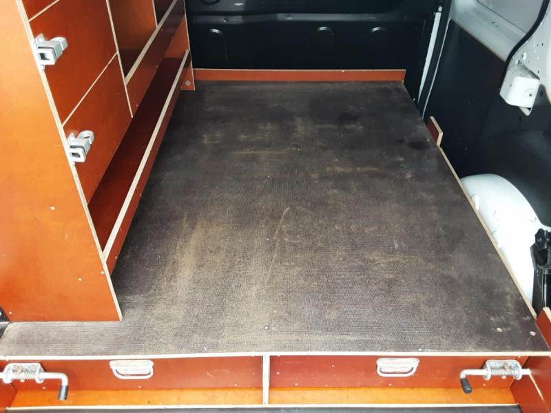 Photo 4 de l'offre de RENAULT KANGOO EXPRESS L1 1.5 DCI 90 EXTRA R-LINK à 10200€ chez Centrale auto marché Périgueux