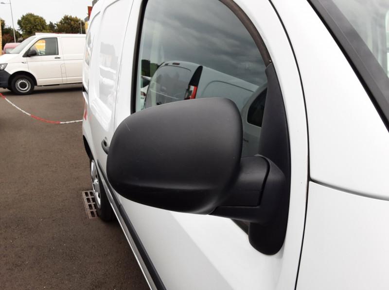 Photo 21 de l'offre de RENAULT KANGOO EXPRESS L1 1.5 DCI 90 EXTRA R-LINK à 10200€ chez Centrale auto marché Périgueux
