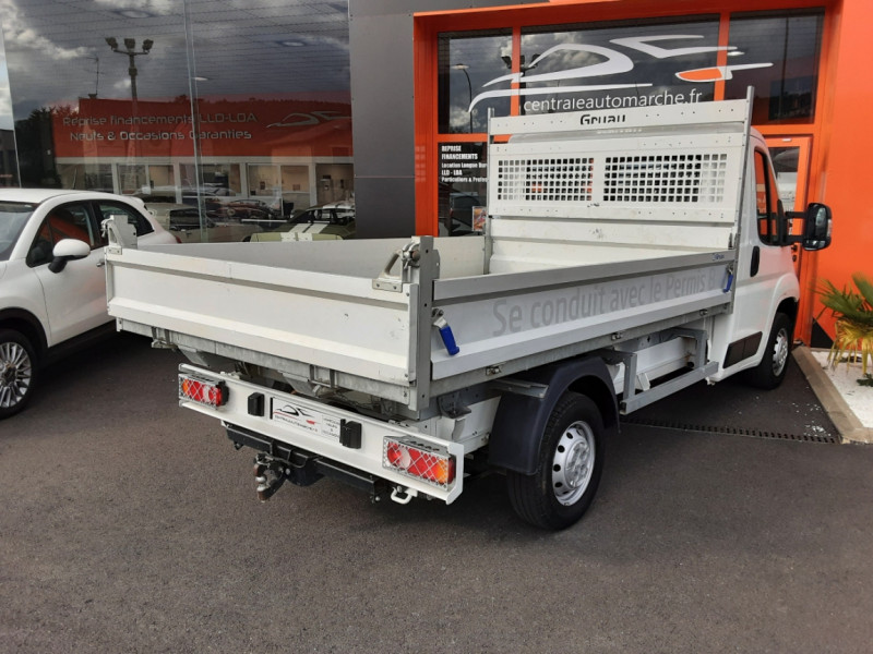 Photo 2 de l'offre de CITROEN JUMPER BENNE 35 L2 BLUEHDi 130 BVM6 CONFORT à 22990€ chez Centrale auto marché Périgueux
