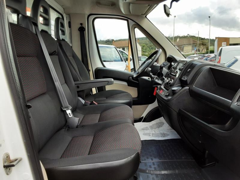Photo 34 de l'offre de CITROEN JUMPER BENNE 35 L2 BLUEHDi 130 BVM6 CONFORT à 22990€ chez Centrale auto marché Périgueux