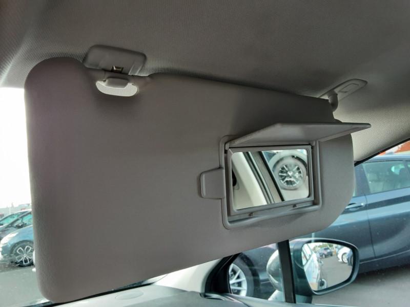 Photo 43 de l'offre de CITROEN C4 BlueHDi 120 SetS EAT6 Millenium à 12000€ chez Centrale auto marché Périgueux