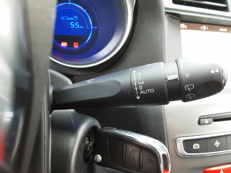 Photo 45 de l'offre de CITROEN C4 BlueHDi 120 SetS EAT6 Millenium à 12000€ chez Centrale auto marché Périgueux