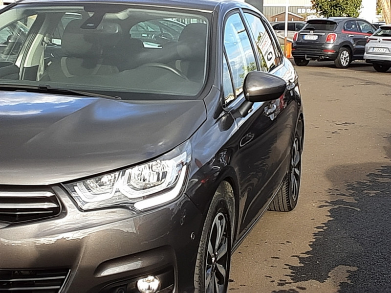 Photo 10 de l'offre de CITROEN C4 BlueHDi 120 SetS EAT6 Millenium à 12000€ chez Centrale auto marché Périgueux