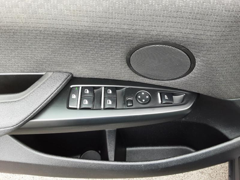 Photo 15 de l'offre de BMW X3 sDrive18d 150ch BUSINESS A à 23990€ chez Centrale auto marché Périgueux