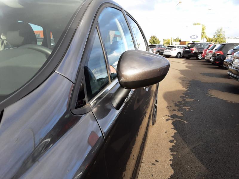 Photo 26 de l'offre de CITROEN C4 BlueHDi 120 SetS EAT6 Millenium à 12000€ chez Centrale auto marché Périgueux