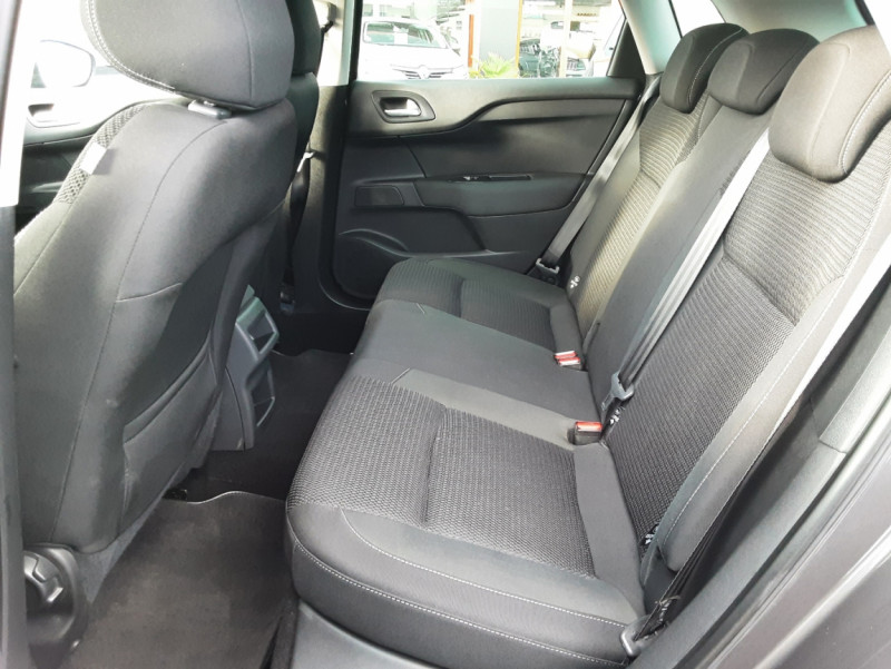 Photo 4 de l'offre de CITROEN C4 BlueHDi 120 SetS EAT6 Millenium à 12000€ chez Centrale auto marché Périgueux