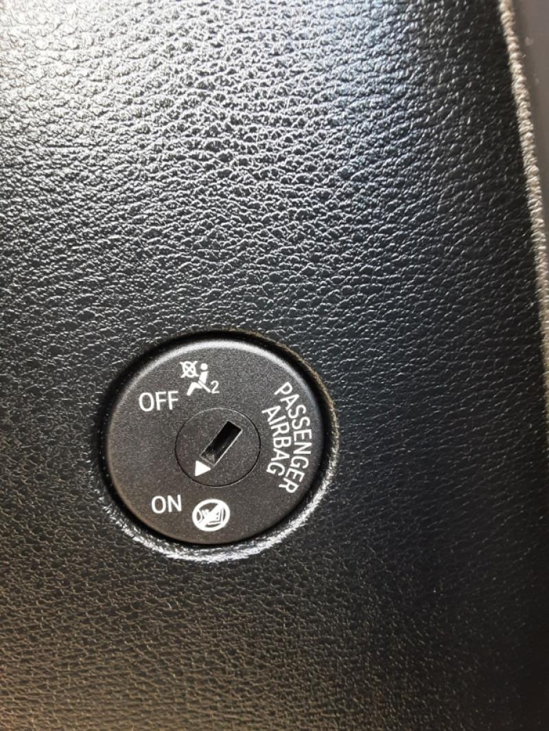 Photo 42 de l'offre de BMW X3 sDrive18d 150ch BUSINESS A à 23990€ chez Centrale auto marché Périgueux