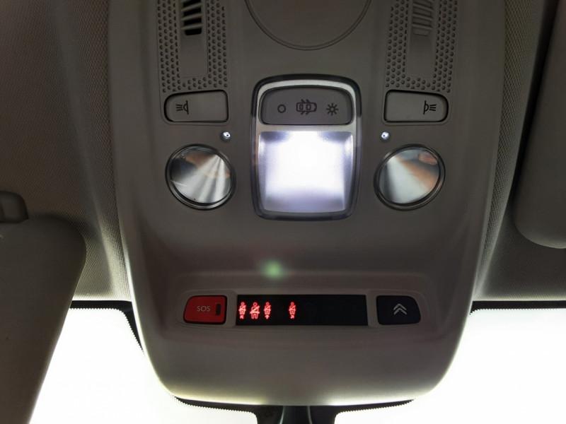 Photo 39 de l'offre de CITROEN C4 BlueHDi 120 SetS EAT6 Millenium à 12000€ chez Centrale auto marché Périgueux