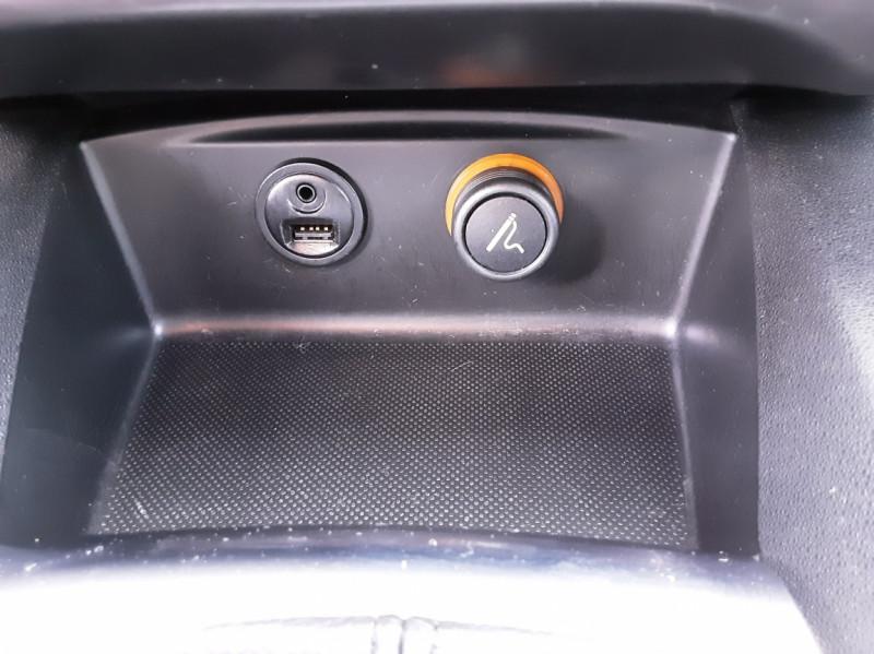 Photo 28 de l'offre de CITROEN C4 BlueHDi 120 SetS EAT6 Millenium à 12000€ chez Centrale auto marché Périgueux