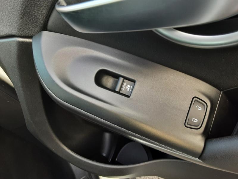 Photo 40 de l'offre de FIAT 500X 1.6 MultiJet 120 ch Popstar  à 17490€ chez Centrale auto marché Périgueux