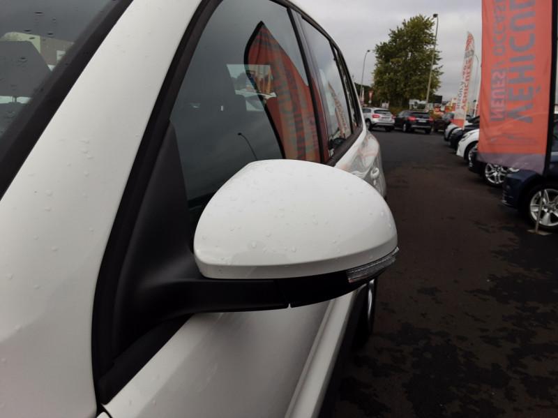 Photo 50 de l'offre de VOLKSWAGEN TIGUAN 2.0 TDI 110 FAP Bluemotion Technology à 6700€ chez Centrale auto marché Périgueux