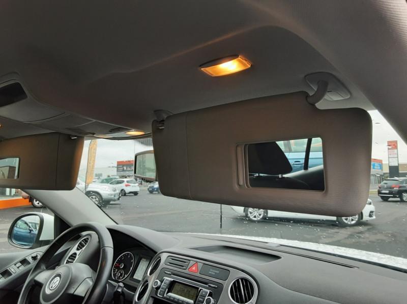 Photo 42 de l'offre de VOLKSWAGEN TIGUAN 2.0 TDI 110 FAP Bluemotion Technology à 6700€ chez Centrale auto marché Périgueux