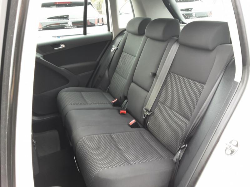Photo 17 de l'offre de VOLKSWAGEN TIGUAN 2.0 TDI 110 FAP Bluemotion Technology à 6700€ chez Centrale auto marché Périgueux