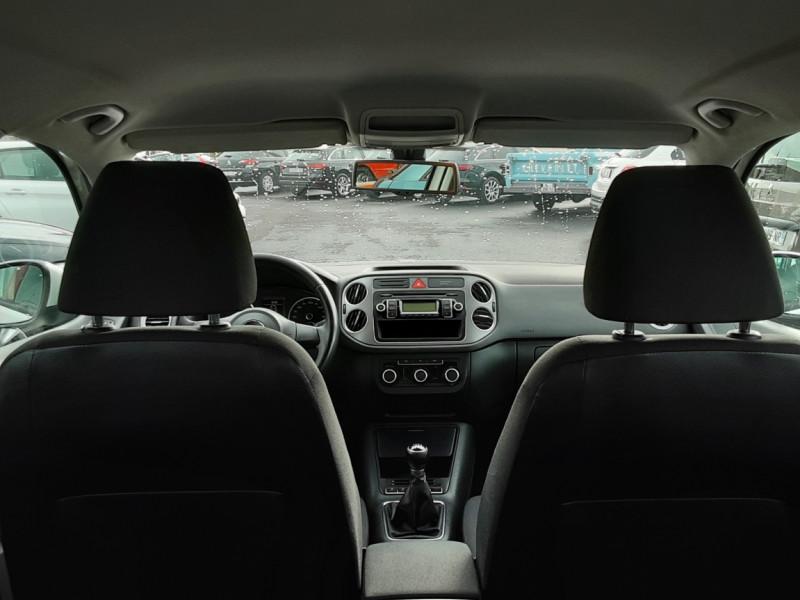 Photo 15 de l'offre de VOLKSWAGEN TIGUAN 2.0 TDI 110 FAP Bluemotion Technology à 6700€ chez Centrale auto marché Périgueux
