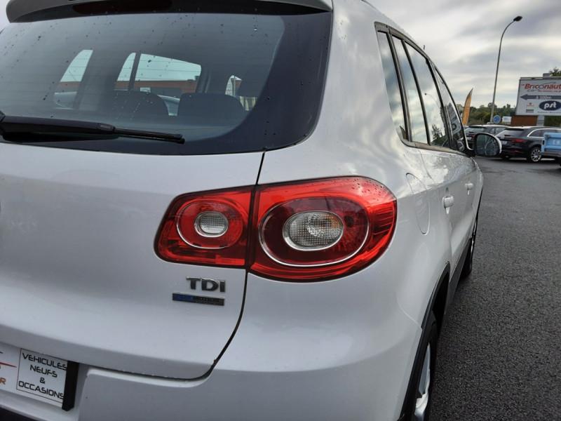 Photo 34 de l'offre de VOLKSWAGEN TIGUAN 2.0 TDI 110 FAP Bluemotion Technology à 6700€ chez Centrale auto marché Périgueux