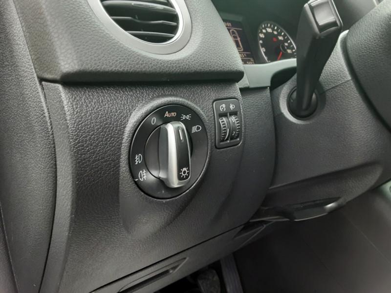 Photo 23 de l'offre de VOLKSWAGEN TIGUAN 2.0 TDI 110 FAP Bluemotion Technology à 6700€ chez Centrale auto marché Périgueux