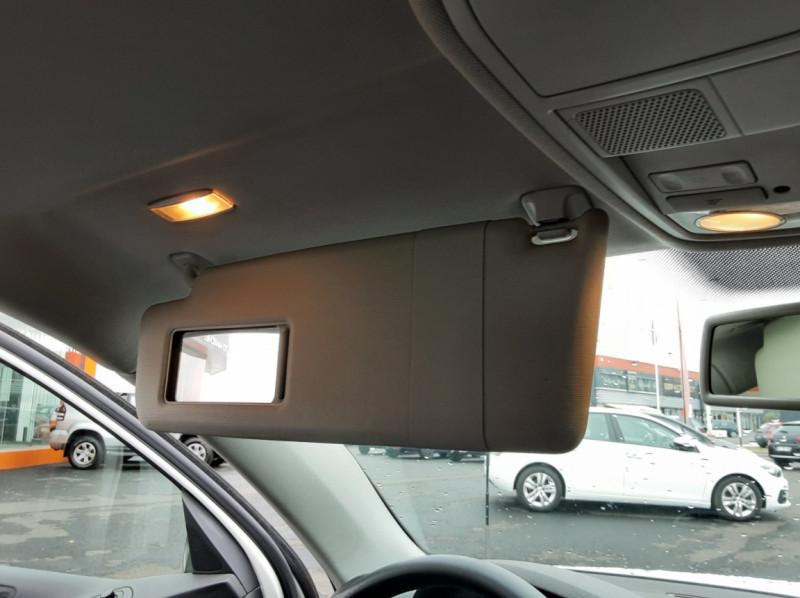 Photo 24 de l'offre de VOLKSWAGEN TIGUAN 2.0 TDI 110 FAP Bluemotion Technology à 6700€ chez Centrale auto marché Périgueux