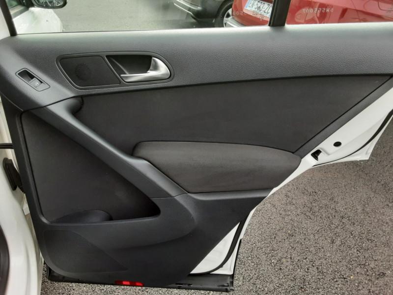 Photo 26 de l'offre de VOLKSWAGEN TIGUAN 2.0 TDI 110 FAP Bluemotion Technology à 6700€ chez Centrale auto marché Périgueux