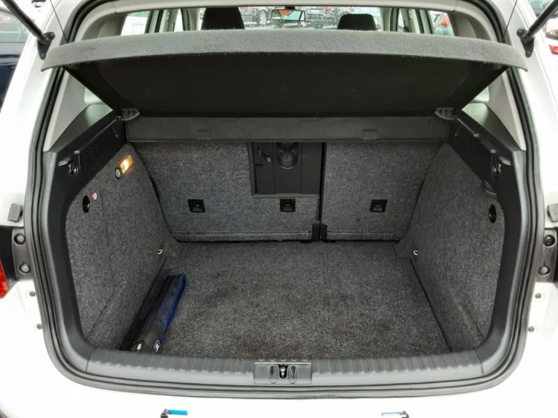 Photo 19 de l'offre de VOLKSWAGEN TIGUAN 2.0 TDI 110 FAP Bluemotion Technology à 6700€ chez Centrale auto marché Périgueux