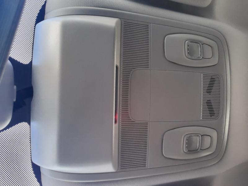Photo 32 de l'offre de RENAULT MEGANE IV SOCIETE DCI 110 ENERGY AIR NAV 2P à 11500€ chez Centrale auto marché Périgueux