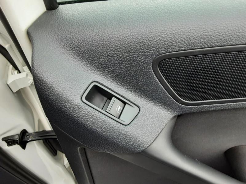 Photo 35 de l'offre de VOLKSWAGEN TIGUAN 2.0 TDI 110 FAP Bluemotion Technology à 6700€ chez Centrale auto marché Périgueux